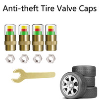 4 teile / satz Anti-Diebstahl 2,4 bar Auto Reifendruckmonitor Universalreifen Überwachung Werkzeuge Genaue Anzeige Reifenventilkappen Sensorset