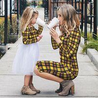 عيد الميلاد الأم والابنة الملابس الأسرة مطابقة تتسابق الملابس أمي ابنة الفتيات اللباس تنورة المرأة فساتين الأميرة QZZW132