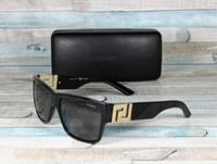 Les nouveaux hommes de 4296 BLACK GREY POLARIZED 59 mm Hommes Lunettes de soleil Lunettes de soleil de luxe Lunettes de soleil Marque de mode pour femme mens lunettes