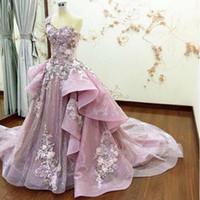 Luxury Real Bild Rosa Abendkleider Abnehmbare Zug Sheer-Ausschnitt mit Rüschen Blumeapplique Perlen Abendkleid Frühlings-Sommer-Kristallpartei-Kleider