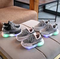 Çocuklar Shoesspring Sonbahar Çocuk Işık Spor Ayakkabı Bebek Erkek Kız LED Aydınlık Ayakkabı Çocuklar Sneakers Nefes Koşu Ayakkabıları
