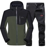 Moda-Nuovo maschio Outdoor Trekking Campeggio Sport Uomo Giacche Pantaloni Suit Moutain Abbigliamento WIindproof Set di abbigliamento impermeabile