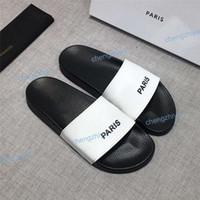 2021 أزياء الرجال النساء الصنادل مصمم الأحذية الفاخرة الشريحة الصيف الأزياء واسعة شقة زلق الصنادل شبشب الوجه بالتخبط زهرة مربع الحجم 36-46