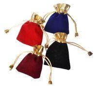 7 * 9 سنتيمتر المخملية مطرز الرباط الحقائب 100 قطعة / الوحدة 4 ألوان مجوهرات التعبئة والتغليف عيد الميلاد الزفاف هدية أكياس أسود أحمر السفينة حرة