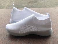 2021 여성 디자이너 운동화 트레이너 로우 컷 패션 플랫 양말 부츠 캐주얼 신발 싸구려 걷는 신발 야외 러너 신발