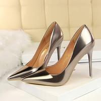 Alle Sterne-Lackleder Heel Mode Braut, Hochzeit Schuhe rote Unterseite der Eden-Absatz-Frauen-Partei-Abend-Partei-Kleid-Schuhe 10.5cm Heel a6552