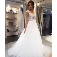 Vestidos de la boda de la cucharada aplique de encaje blanco Una línea sin mangas ilusión trenes de barrido vestido de novia vestido con botones traseros