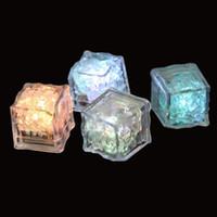 LED Flash Ice Cubes fai da te Bere sensore tazza colorata Incandescente Piazza Light Bar Club festa di nozze per le vacanze Luce Decor
