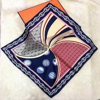 100% reine Seide Schal Frauen Kind Bandana Handkerchief Muster Haar-Schal-Ansatz-Platz Silk Kopftuch bandanas Stirnband Reiten Maske Armband