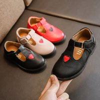 Primavera otoño T Strap Girls Shoes PU Leather Boys Shoes Niños Pisos Pu Leather Heart Designer Shoe For Toddler Baby MCH054