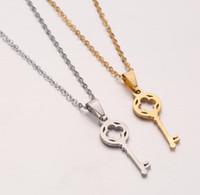 Jour Carte-cadeau Bijoux Collier en acier inoxydable pour les femmes de la mode Flower Amoureux Pendentif clé Clavicule ras du cou Valentine