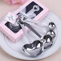 Acero inoxidable en forma de corazón Clip azúcar medición cucharas con los favores de banquete de boda del batidor de huevo caja de regalo del corazón del amor de Infuser del té