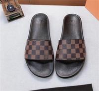 N86 Derniers nouveaux Hommes de haute qualité Mode Femme Sandales occasionnelles Pantoufles Flip-flops populaires Talons hauts Été Pantoufles à talons hauts Heel 4.5cm