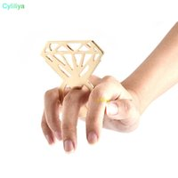 El anillo de diamante de forma de la botella abridor de acero inoxidable del diamante botella de cerveza abridor ahueca hacia fuera el anillo abridor de herramientas creativas de la cocina