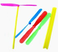 Forma originalidad de la libélula de juguete platillo volante plástico de bambú helicóptero al aire libre Juguetes Moda Con Colorido Para Niños