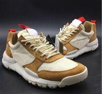 Новые Выпущенные Tom Sachs Craft Mars Yard TS НАСА 2.0 Обувь AA2261-100 Natural / Спорт Красный кленовый Unisex Причинная обувь Размер 36-45