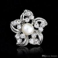 Spilla per donna Spille da sposa Spilla con strass vintage di moda Trasparente Fiore di cristallo Spille d'argento di Natale