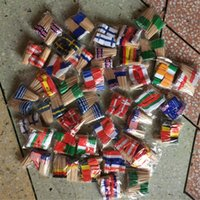 10.000 pezzi Stuzzicadenti MINI Bandiera Carta Cupcake Sticks Festa Cocktail Catering Paesi Decor Legno Bandiera in legno Cocktail Stick Stuzzicadenti