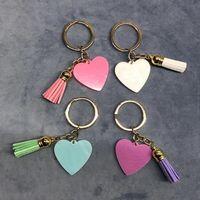 Kişiselleştirilmiş Klasik Vinil Şeftali Kalpler Anahtarlıklar Renkli Monogrammed 35mm Kalp Şekli Püskül Anahtarlık 30mm Süet Hediye Püskül Anahtarlık