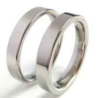 Bulkpartier 100st 4mm Silver Band Ringar Högpolerat Glänsande Bright 316L Rostfritt stål Ringar Perfekt för återförsäljning Party Git Comfort-Fit Smycken