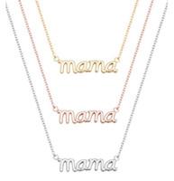 Collar de letras de mamá pequeña Palabra estampada Alfabeto de amor inicial Collares de madre para regalos de acción de gracias Día de la Madre