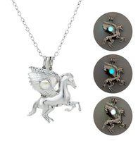Collane luminose color argento Pegasus Horse Locket Collana San Valentino Antique Beads luminose Censer J Cage Gift