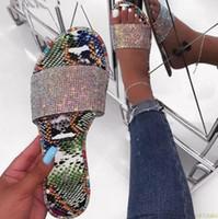 elmas taklidi terlik 2019 yeni bayan moda vahşi plaj flip flop parlak elmas düz dipli açık vahşi öğrenci sandalet