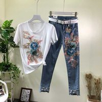 2020 Primavera / Verão New Jeans Define fêmeas Bead Flores jeans stretch + T-shirt de manga curta Suit Mulheres Tops e calças Set 2 peças