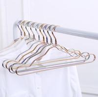 الفضاء الألومنيوم شماعات سبائك الألومنيوم لا أثر الملابس دعم المنزلية المضادة للانزلاق الملابس معلقة يندبروف الصدأ الملابس الرف SN2338