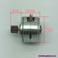 10pcs / lot, nouveau diamètre 15mm deux phases micro-moteur pas à pas 4 de fil 15 * 10 mm 5V incrément angulaire 18 ~