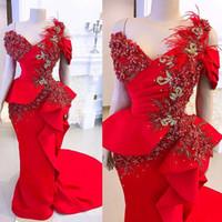 Plus Size Red Pageant Abendkleider 2020 Luxus-Spitze-Feder-Rüschen Peplum afrikanischen Arabisch Gelegenheit Partei Kleider Abendkleider