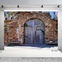 جدار من الطوب القديم الباب الخشبي القماش التصوير الخلفيات صورة خلفية الفينيل لالتقاط الصور 7X5ft قماش الفينيل لPhotophone الطفل خلفية