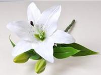 زهور الزفاف الاصطناعي الزنبق الزهور ريال اللمس الحرير الزنابق باقة الزهور الزخرفية الرئيسية الطرف الديكور 4 ألوان 30PCS LQPYW1025