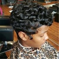 100% Echthaar Perücke kurze lockige schwarze Pixie-Schnitt-Haar-Perücken für Frauen maschinell hergestellter Echthaar-Perücke