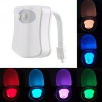 Toilette Nachtlicht LED Lampe Smart Badezimmer Menschliche Bewegung aktiviert Pir 8 Farben Automatische RGB-Hintergrundbeleuchtung für WC-Schüssel-Lichter