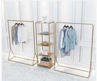 Percha de aterrizaje Perchero Ropa de oro Racks Muebles de dormitorio Displazamiento simple de ropa para hombres y mujeres Perchas de arte subterráneo