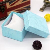 Nouveaux boîtes de montre Boîtes de rangement Boîtes de stockage Bijoux Afficher cadeaux Emballage Montres de mode Boîte de papier horloge carrée avec oreiller