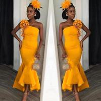 2020 Hot African One Spalla Hi Lo Sirena Dress Prom Dresses Flower Ruffles Caviglia Lunghezza Evning Abito Damiglia Damigella d'onore Abito formale Partito Abbigliamento BM1667