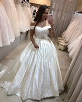 2020 Elegant Off Shoulder Satin Wedding Dresses Ball Gown La...