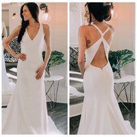 2019 Sexy White Chiffon Wedding Gowns Backless Sweep Train R...