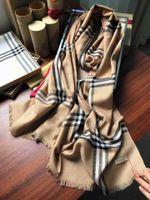 2019 populares de las mujeres de alta calidad de la lana otoño e invierno y seda bufandas chal tamaño carta bufanda 220 * 70cm bufanda ninguna caja