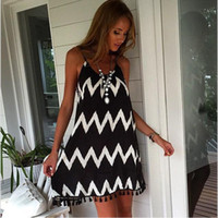Mulheres Black Striped Sexy Backless Strap Dresses Moda elegante Mini Dress