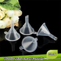 Mais novo funil de plástico Mini Pequeno Para garrafa ferramentas de preenchimento garrafa vazia recarregáveis Ferramenta de frete grátis em 0617
