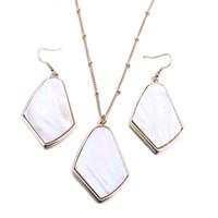 Moda Geométrica Irregular Shell Blanco Collar Druzy Oro Color Borlas de Metal Collar de Suéter de Cadena Larga