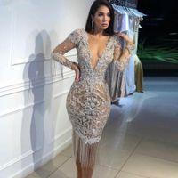 Dubaï Design Spécial Robes Cocktail Robes Sirène Manches longues De Deep V Numéros Illusion Sexy Robe de Soirée 2019 Robes de soirée avec glands