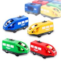 Elektrische Lokomotive-Auto, Motormodell, Vorwärts rückwärts bewegen, Jungenspielzeug, magnetische Verbindung, kompatibel mit der Zugspur, Party Weihnachten Kind Geschenk