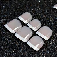 Beige weiße French Nails Acryl Nude Toe glänzende Oberfläche Zehennägel Tipps Dekoration entworfen gefälschte Nägel 24pcs / Kit