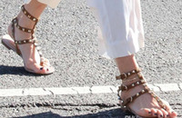 Hot Sale-Mujer Rivet spiaggia di Thong Sandal Estate Calzature Donna Pietre Studded piatto Gladiator Sandals appuntito Infradito Plus Size # 9025