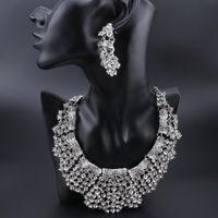 Fashion Crystal Declaración Collar Pendientes Conjuntos Plateado Plateado Traje de Bodas Conjuntos de Joyas Para Novias Regalos De Mujeres