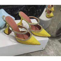 Qualidade perfeita Oficial Amina Muaddi Mulheres 95mm Gilda embelezado Glitter mulas Amina Muaddi de cristal do salto alto Sexy Shoes Sandals